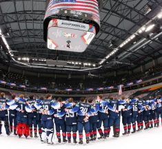 ASV hokejisti mājās aizved bronzas medaļas